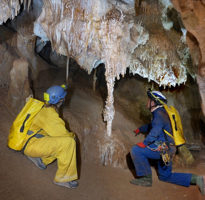 Espeleoturismo en la Cueva del Puerto
